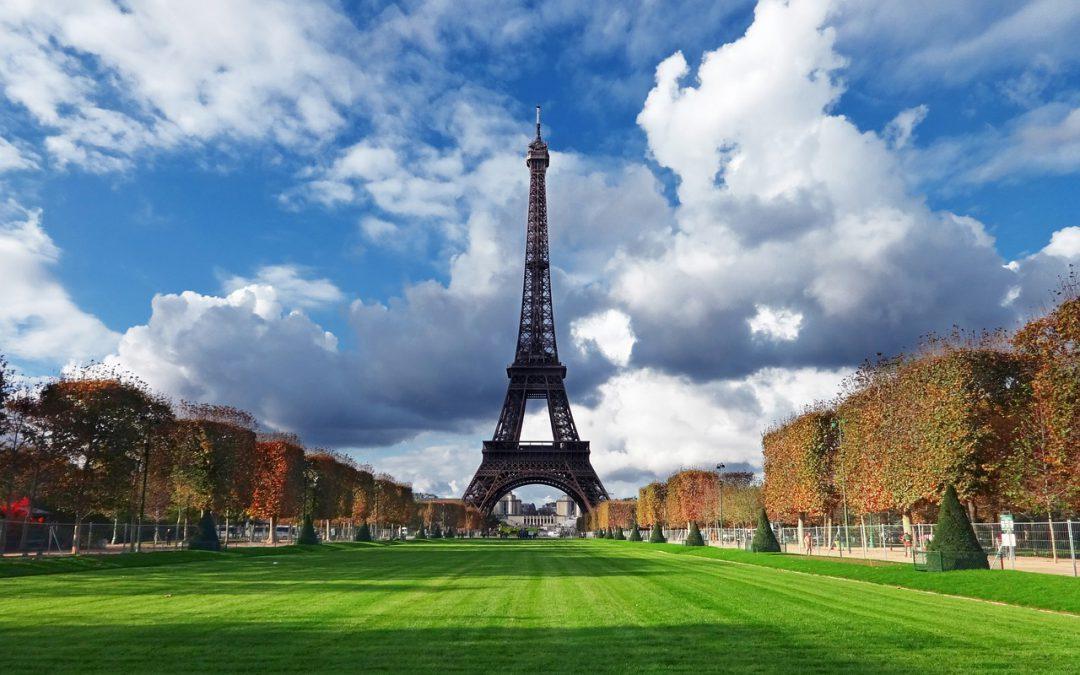 First Class Flights to Paris