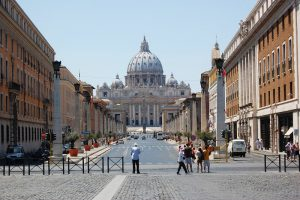 which airlines offer the best business class flights to Rome?
