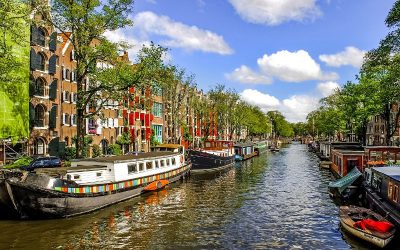 Who Has the Best First Class Flights to Amsterdam?