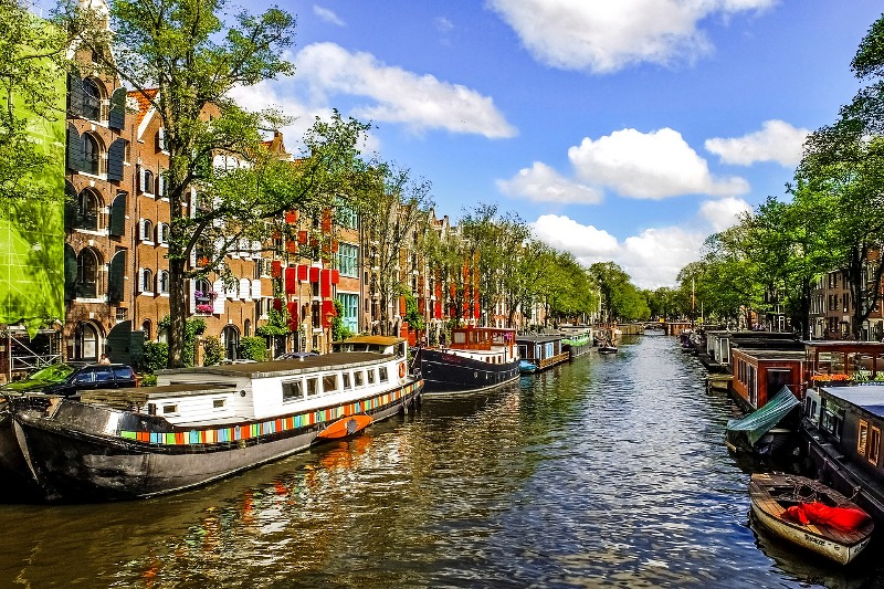 How to Find Cheap Business Class Flights To Amsterdam